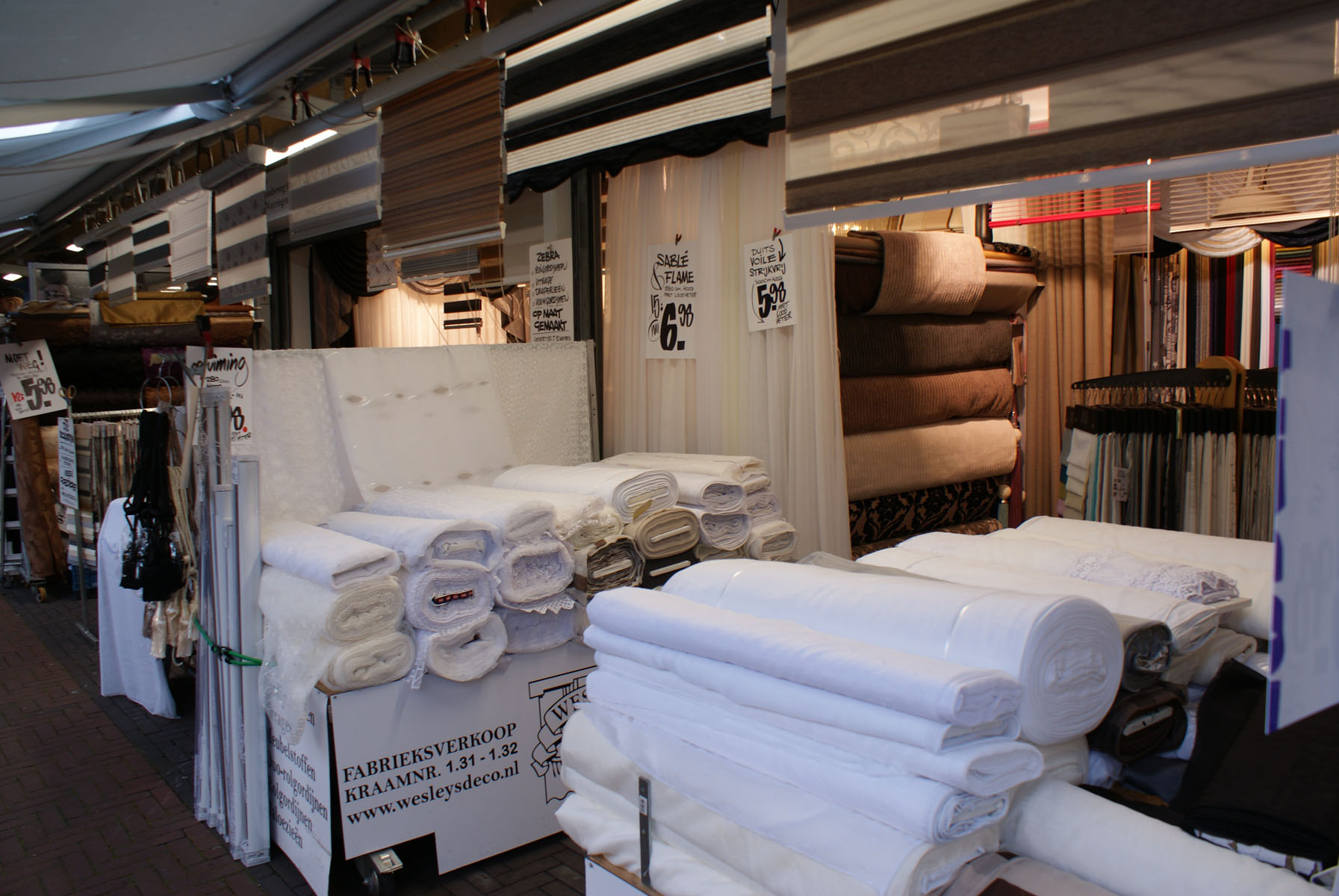 Haagse markt wesley 39 s deco interieurstoffen for Interieur stoffen